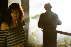 Alexandra-Daddario-in-Texas-Chainsaw-3D-2013-Movie-Image1