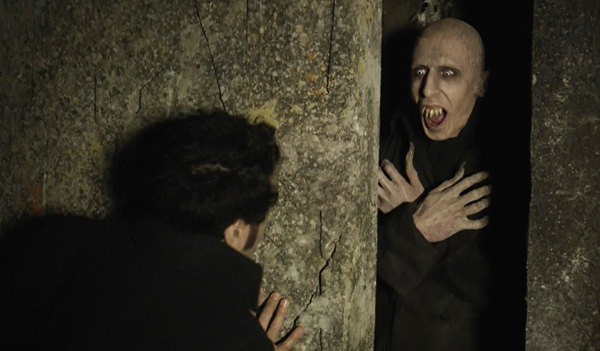 what-we-do-in-the-shadows-2014-petyr-coffin-viago-taika-waititi-ben-fransham-review